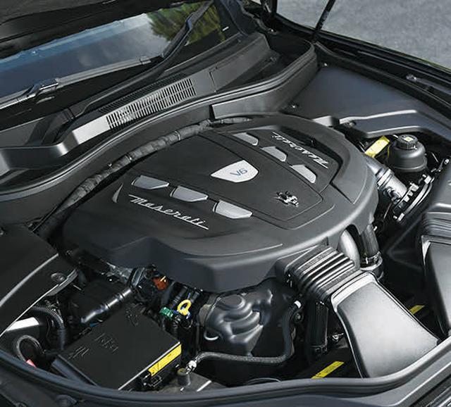 画像: 最高出力275psのディーゼルエンジンで、0→100 km/h加速を6.9秒で駆け抜ける。