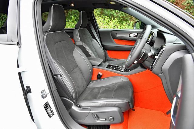 画像: R-デザインのシート地はヌバック/ナッパレザー。フロントシートは8ウエイの電動アジャスト。