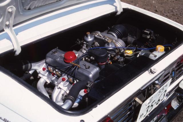 画像: 日野コンテッサ1300クーペはリアにエンジンを搭載するRRだった。