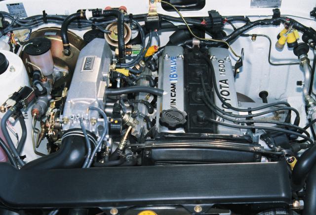 画像: 2T-GEUから換装された4バルブDOHCの4A-GEUは鋭い吹け上がりが持ち味だ。