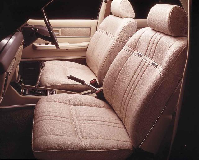 画像: 従来に引き継ぎフロントシートフルアジャストシステムを採用。またリアリクライニングシートを新たに追加した。
