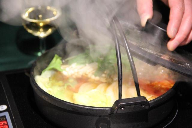 画像: レストラン内の照明や調理に必要な電力はすべてe-NV200から供給される。