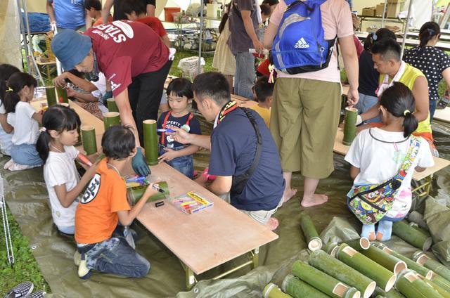 画像: 大人から子供まで楽しめるさまざまなアクティビティが目白押し。毎年参加するファミリーも多い。