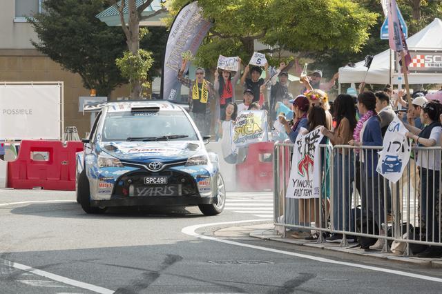 画像1: WRCを目指す、若きドライバーとメカニック