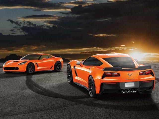 画像: 鮮やかなオレンジのボディカラーがサーキットに映える。