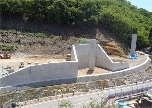 画像: E29中国横断自動車道 播磨新宮インターチェンジ工事。