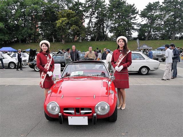 画像: 前回の参加者の愛車、昭和40年式のトヨタスポーツ800。ビカビカのフルノーマル車。