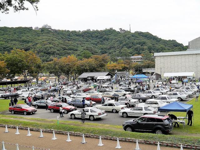 画像: 四国最大の都市である松山に昭和の、しかも稀少なノーマル車が集結。
