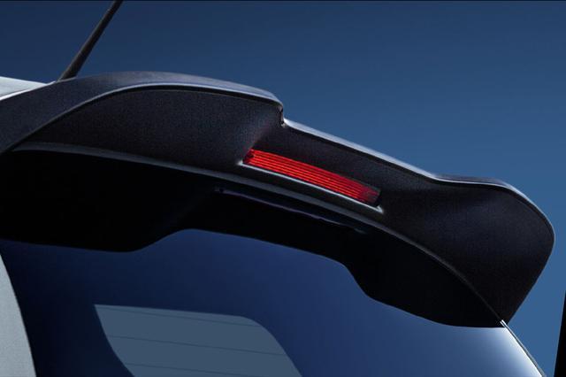 画像: アップ!GTIに採用されている大型のリアスポイラー。