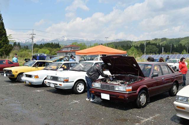 画像: 70〜80年代が中心の旧車オーナーイベント「ネオクラシックカー座談会」の様子。