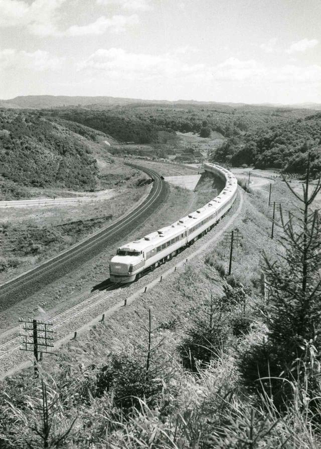 画像: 【はつかり】鉄道車両の製作に活路を見出した宇都宮製作所は、1960年に国鉄にディーゼル特急「はつかり」の車両を納入した。