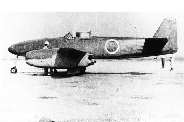 画像: 【特殊攻撃機・橘花】1945年に初飛行に成功した、日本初のジェットエンジン搭載機。終戦時に機体や図面が全て失われたのが残念。