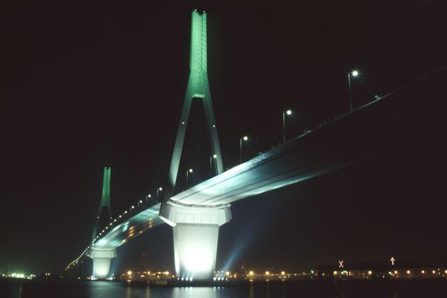 画像: 鶴見つばさ橋(湾岸線)