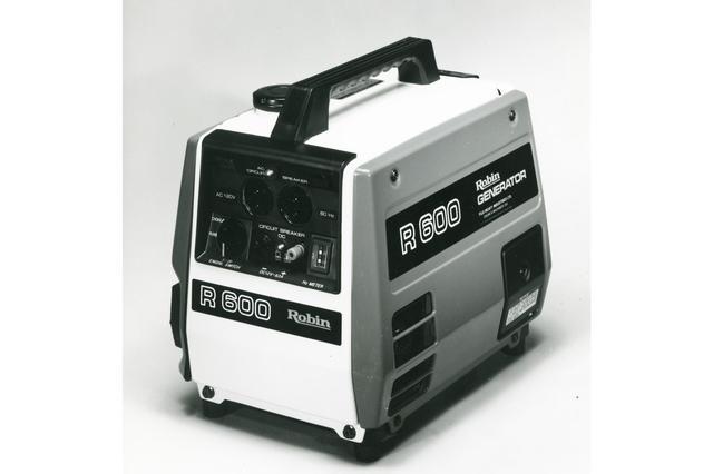 画像: 【ポータブルジェネレーターR600】1981年に開発したサイドバルブのEY15とEY20型を使ったポータブルジェネレーターで業界での地位を確立する。