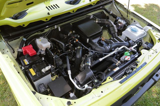 画像: R06A型に換装されたジムニーのパワーユニット。インタークーラーの取り付け位置もフロントに変更。