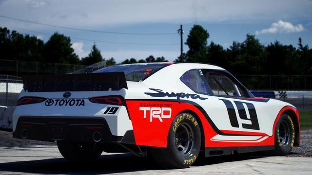 """画像: デザインはいかにも""""NASCAR""""といった雰囲気。"""