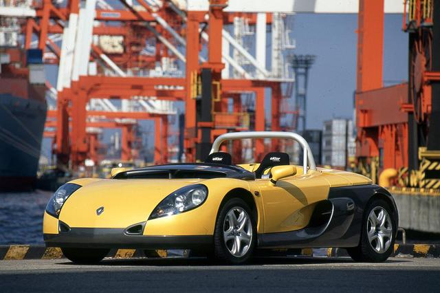 画像: アルピーヌの名が消えたあとも、このスピダー(1995年)やルノースポール車の開発・生産を行っていた。