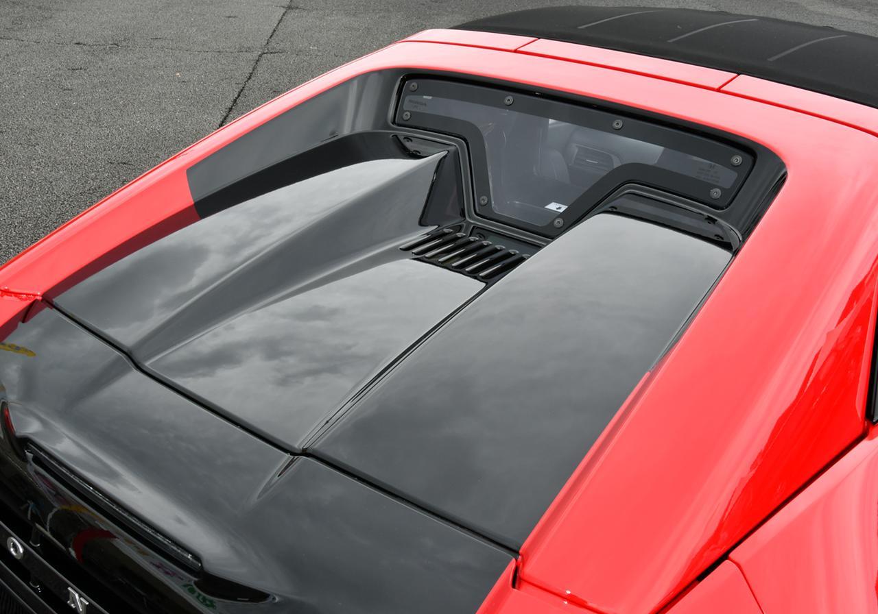 画像: 視認性を確保したエンジンフード形状