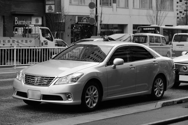画像: 200系クラウンの交通覆面パトカー。