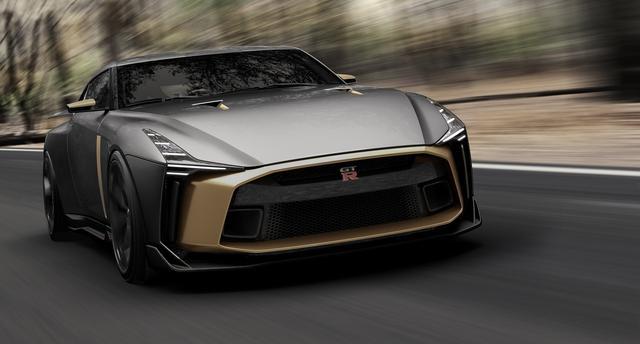 画像1: 【写真館】限定50台、1億円のGT-R50周年記念車がグッドウッドを疾る!