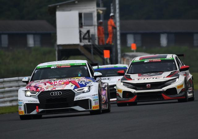 画像1: スピードに勝るAudi RS3 LMS