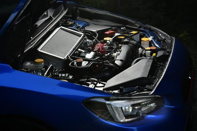 画像: 量産型のEJ20エンジンと比較し、バランスドエンジンは、常用域で雑味がなく、高回転で気持ちいい方向に仕上げられた。