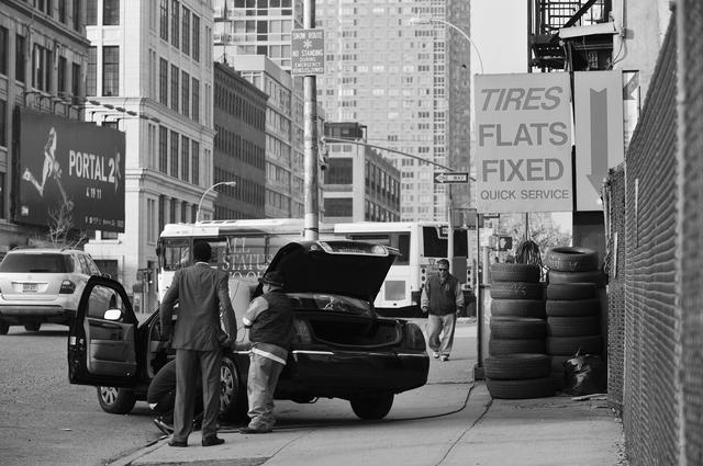 画像: 「2011年、ニューヨーク。確かモーターショーの帰り道、マジソンスクエアー近くのホテルに向かう途中で出くわした情景は映画のワンシーンのように人のキャラクターがはまっていた。ニューヨークらしいすてきなシーンに出会えたことは幸運だった」(永元)