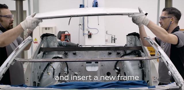 画像: GT-R50は全高が下げられていますが、なんとルーフを切り取って新たな構造材をビルトインしていました! そんな貴重な映像が続々と登場します。