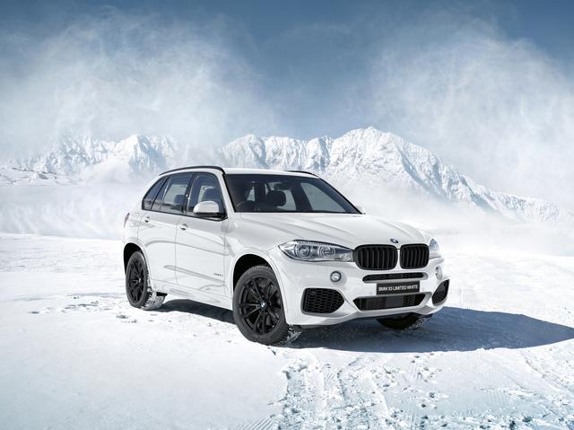 画像: BMW X5 LIMITED WHITE。ボディカラーはアルピンホワイト。