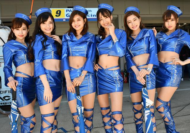 画像: 林さん(左から3人目)が2018新人賞獲りました!