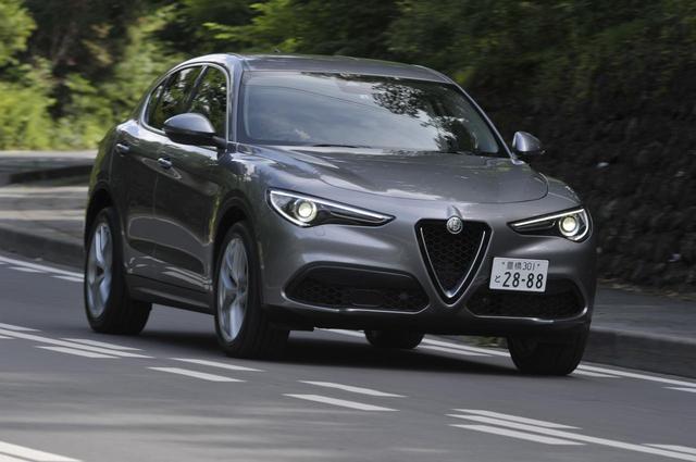 画像: ロール感を伴わないスポーツカーのようなコーナリングがステルヴィオの特徴だ。