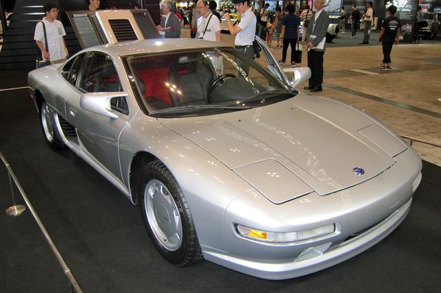 画像: 日産は、写真のMID4 II(1987年)や2018-19シーズンから参戦するフォーミュラEマシン(展示用モデル)など4台を出展。