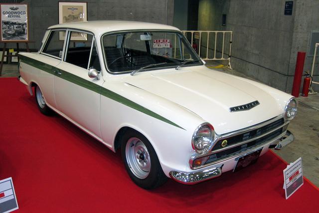 画像: ACマインズが出展した、ロータス・コルチナ Mr1 Sr2(1966年)。フォード・コルチナにロータス製1.6L DOHCを搭載した「羊の革を被った狼」。