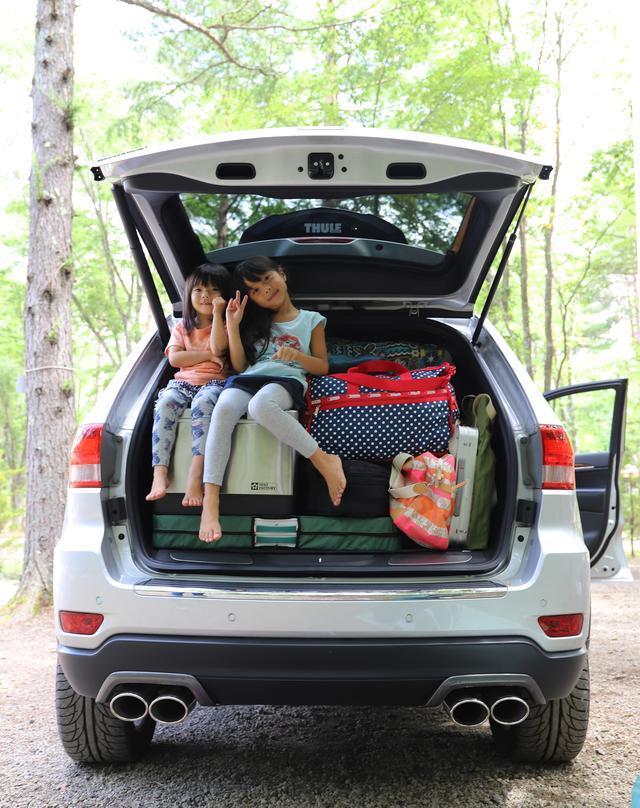 画像: 家族愛、Jeep®愛を感じますね。いっぱい荷物を詰めて幸せキャンプ中というところでしょうか。