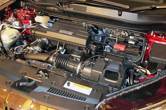 画像: 2.4Lエンジンを凌ぐ加速感とリーズナブルな維持費を両立するという1.5LのVTECターボ。