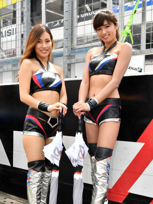 画像: 左 大崎美穂さん  右 朝比奈茉由さん