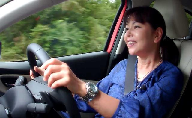 画像: 【動画】 竹岡 圭のクルマdeムービー 「マツダ デミオ」 2014年9月放映  (2014年9月FMC/2018年8月MC)