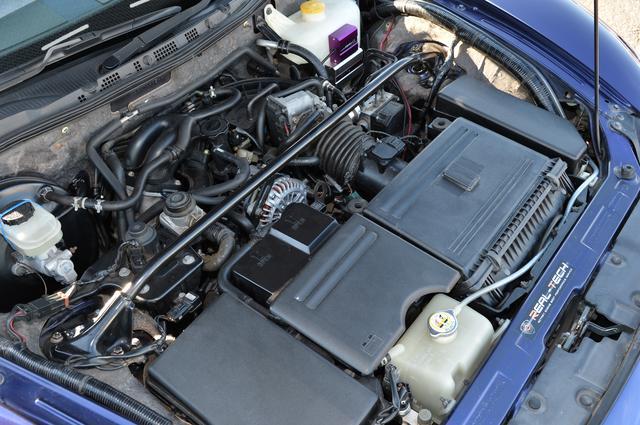 画像: 250psのロータリーエンジン「13B-MSP」はノーマルのまま。リアルテックフルチューン仕様もあるが、今回はあえてノーマル使用での挑戦。