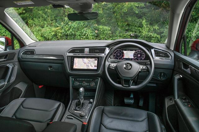 画像: 端正なデザインで人気のティグアンに、ディーゼルエンジンと4WDの組み合わせが設定されたのはニュース。