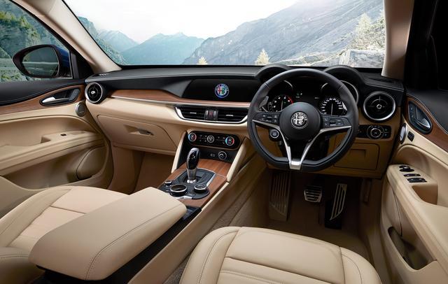 画像: 車載インフォテインメントシステム「Connectシステム」(8.8インチディスプレイ、音声認識機能付)を標準装備。