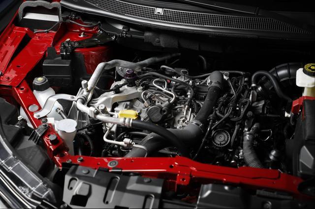 画像: 新開発の1.3ℓ直4ターボエンジンに換装。最高出力は140ps仕様と160ps仕様がラインアップされる。新型メルセデス・ベンツAクラス(欧州仕様)に搭載されるものと似ていると思うのは気のせいか?