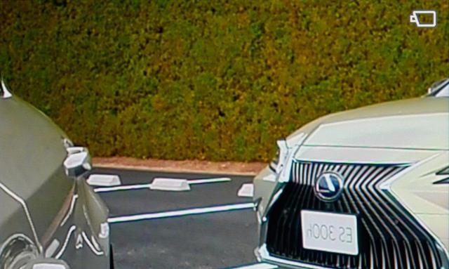 画像: 駐車するとき、リバースに入れると…。