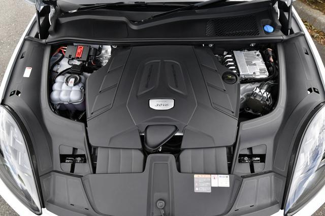 画像: シングルターボを採用する3L V6エンジン(340ps)でも十分にパワフル。