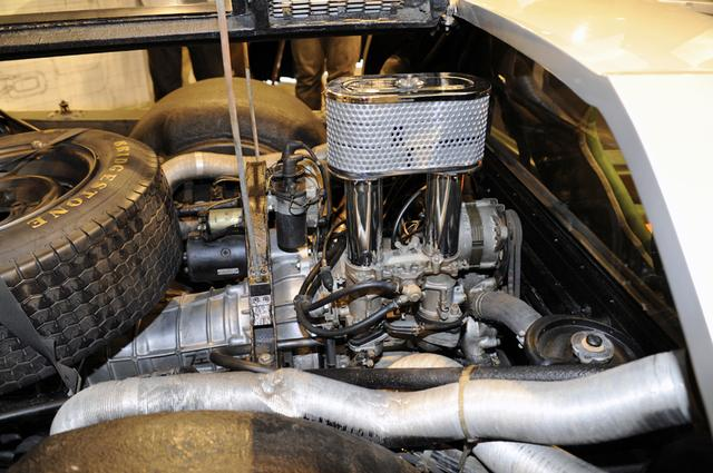 画像: 4サイクルをピストンではなくロータリーの回転で成立させたロータリーエンジン。その性能は驚異的と言えた。