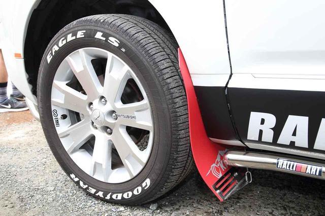 画像: グッドイヤーのイーグルLSというコンフォートタイヤを装着した山本さんのD:5