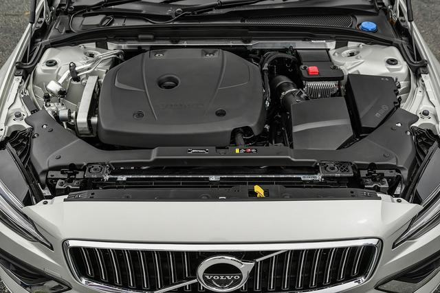 画像: 試乗車V60 T5 インスクリプションに搭載されるDrive-E 2L4気筒直噴ターボエンジンは、レスポンスよく高回転まで反応してくれた。