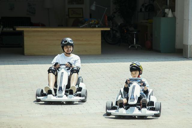 画像: 8歳以上なら、ほとんどの体型の人が乗車可能だ。