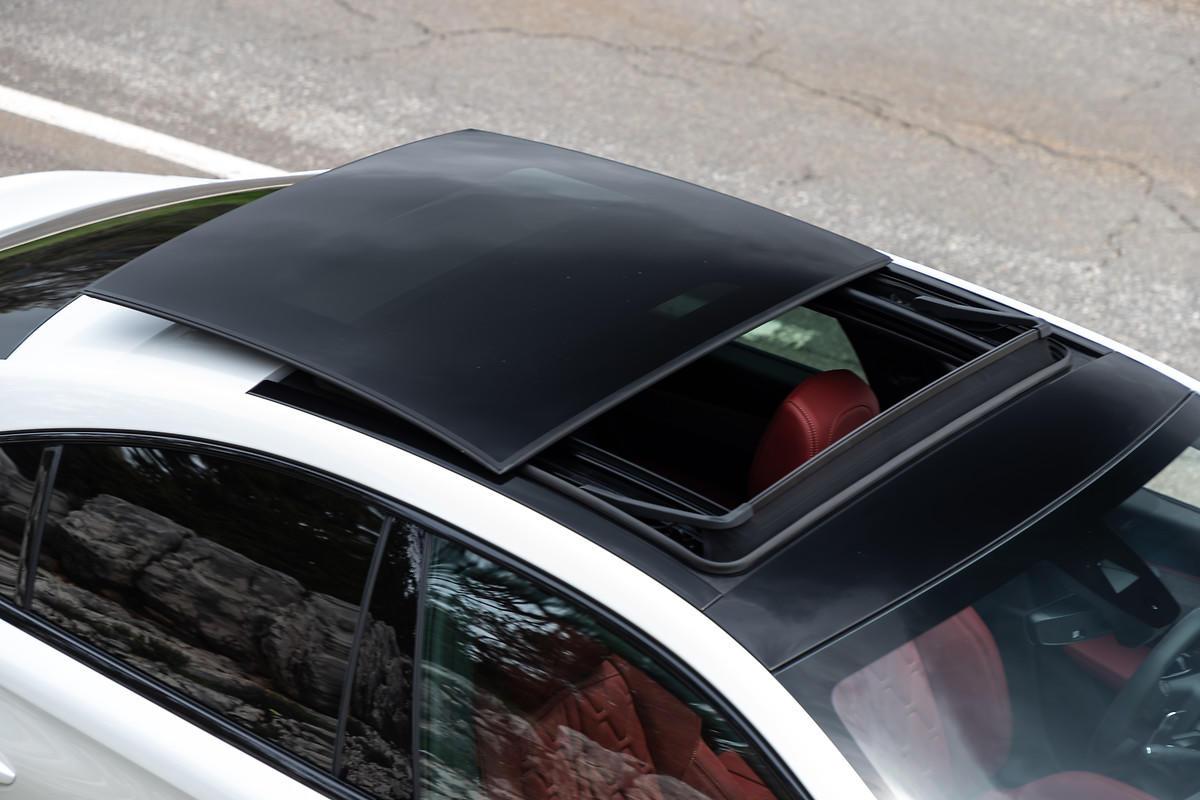 Images : 8番目の画像 - 「【ニュース】新型プジョー508はセダンを脱却? まずは限定車「508 ファーストエディション」から登場。ワゴンの508SWは?」のアルバム - Webモーターマガジン