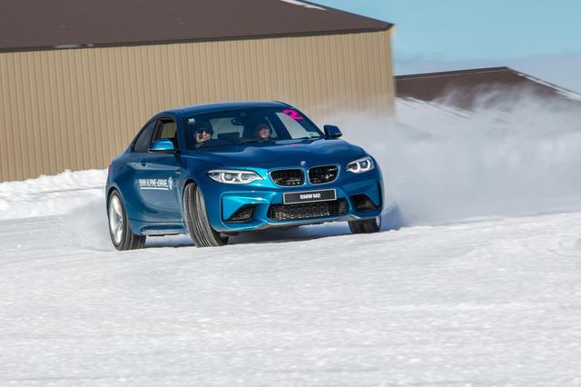 画像: M2は日本で試乗済み。雪上も最高に楽しいクルマだ。