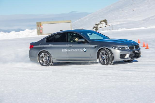 画像: 雪上で一番コントロールしやすいM5。さすがxDrive。